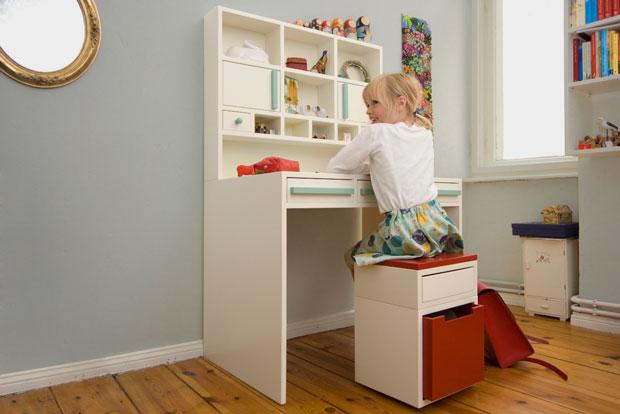Schreibtisch für Kinder // HIMBEER