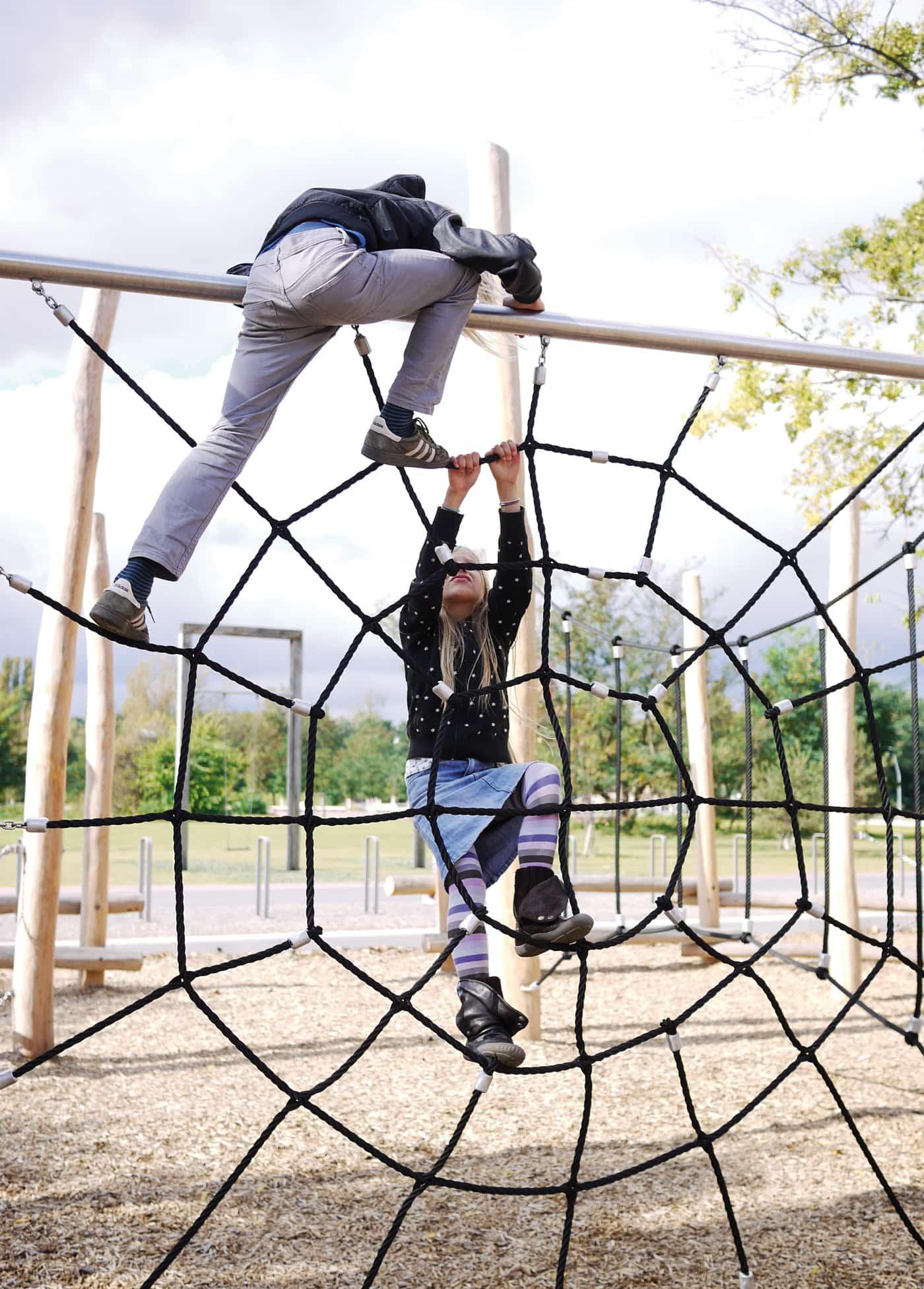 Spielplatz Park am Gleisdreieck // HIMBEER