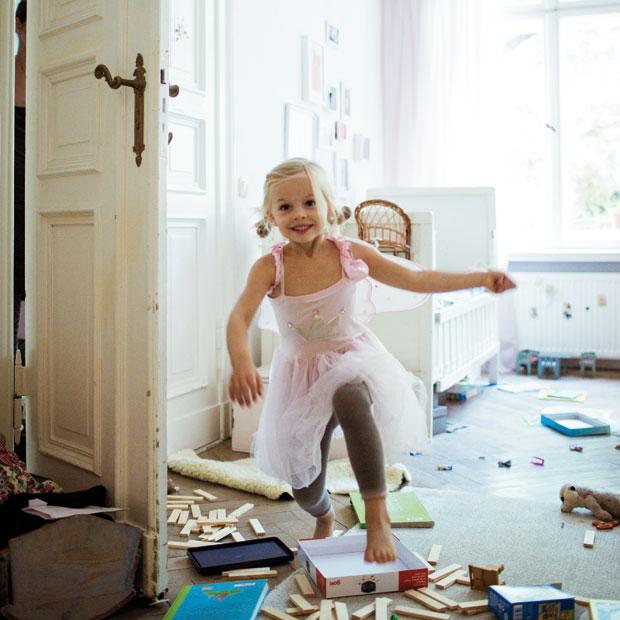 Chaos im Kinderzimmer – wie lernen Kinder Aufräumen? // HIMBEER