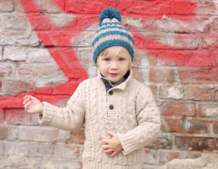 Kinder-Bommelmütze selber machen, Strickanleitung, Stricken für Kinder // HIMBEER