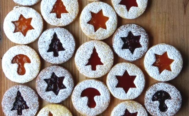 Keksparty feiern – tolle Idee für die Vorweihnachtszeit: Marmeladenplätzchen // HIMBEER