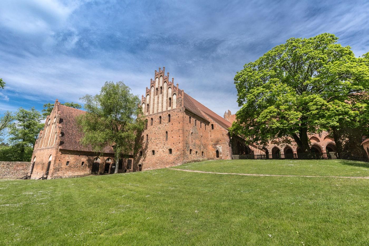 Ausflugsziele für Berliner Familien mit Kindern: Kloster Chorin // HIMBEER