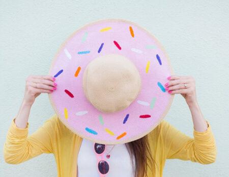 DIY-Idee: Sommerhut im Donut-Streusel-Look // HIMBEER
