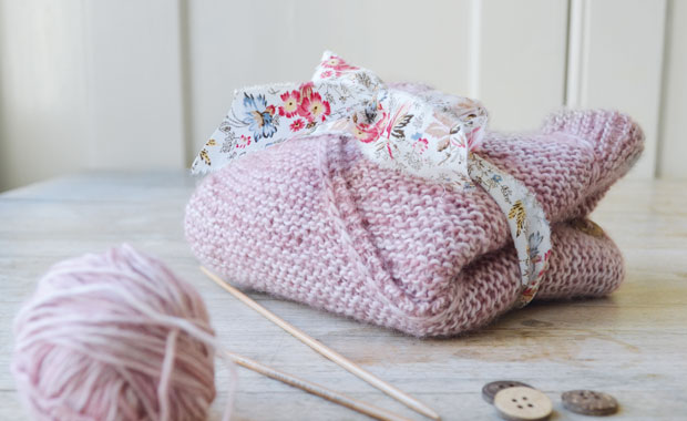 Diy Anleitung Baby Wickeljäckchen Selber Stricken Himbeer