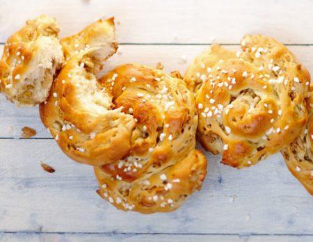 Hefeschnecken – Rezepte zum Backen für Ostern mit Kindern // HIMBEER