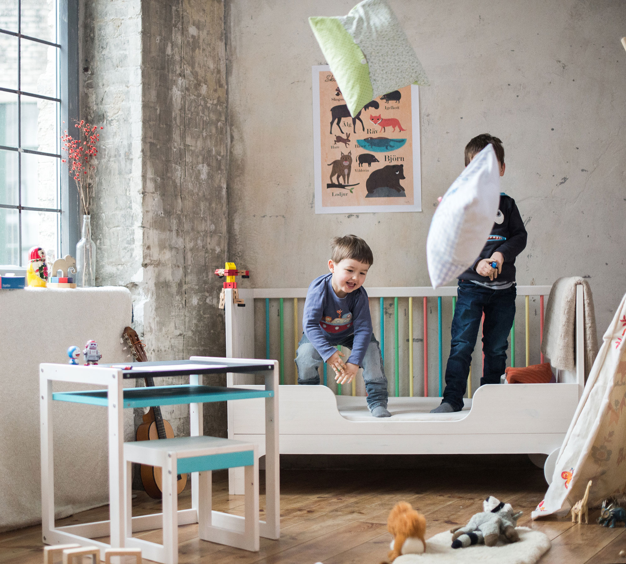 Mitwachsende Kindermöbel: Ekomia // HIMBEER