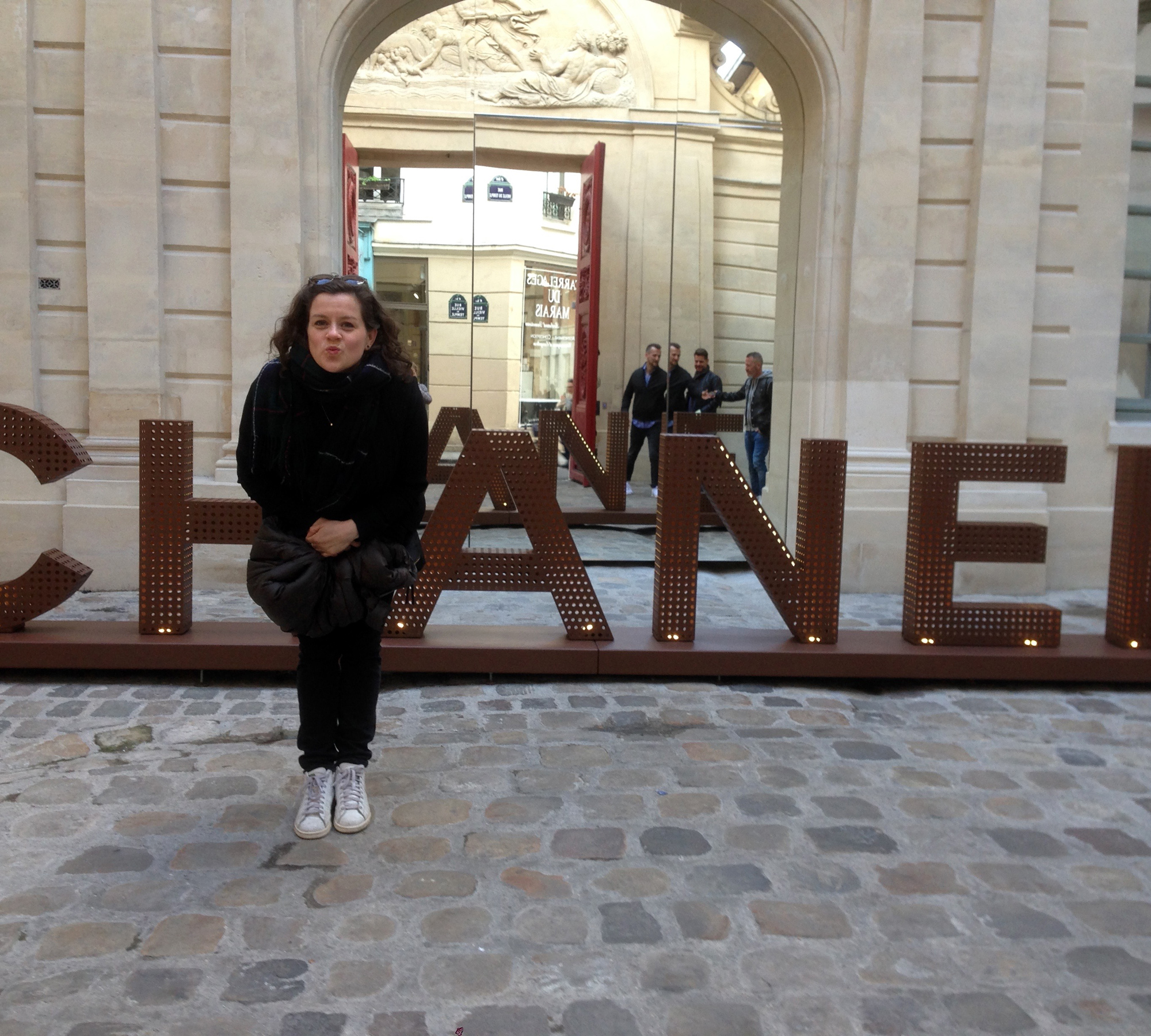 Doro mit ihrer Familie in Paris // HIMBEER