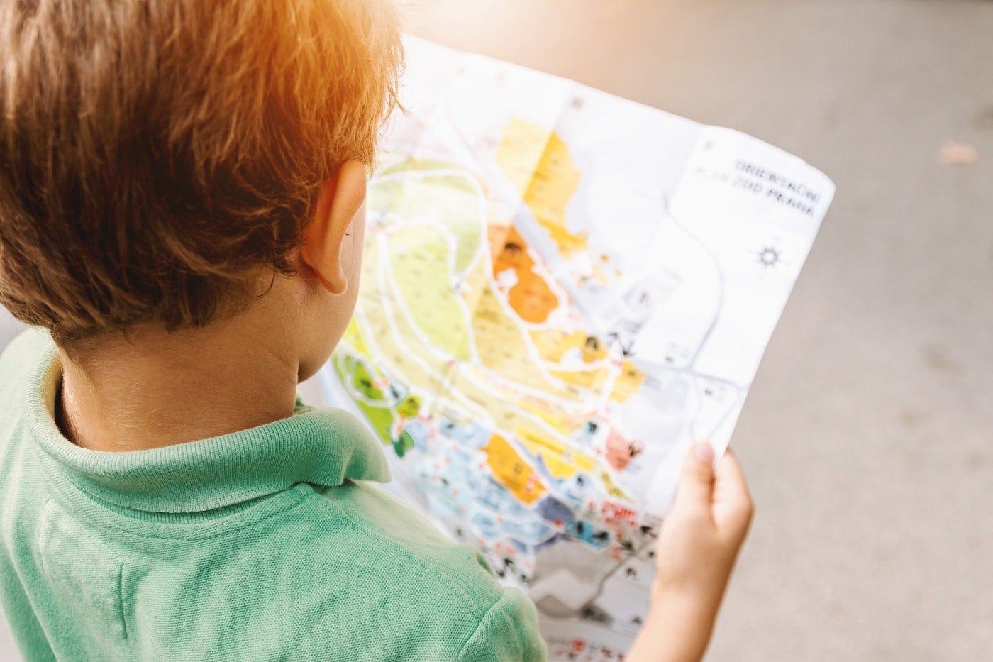Kindergeburtstag Kitaalter Schatzsuche Schnitzeljagd in Berlin mit Kind HIMBEER c JESHOOTS.COM