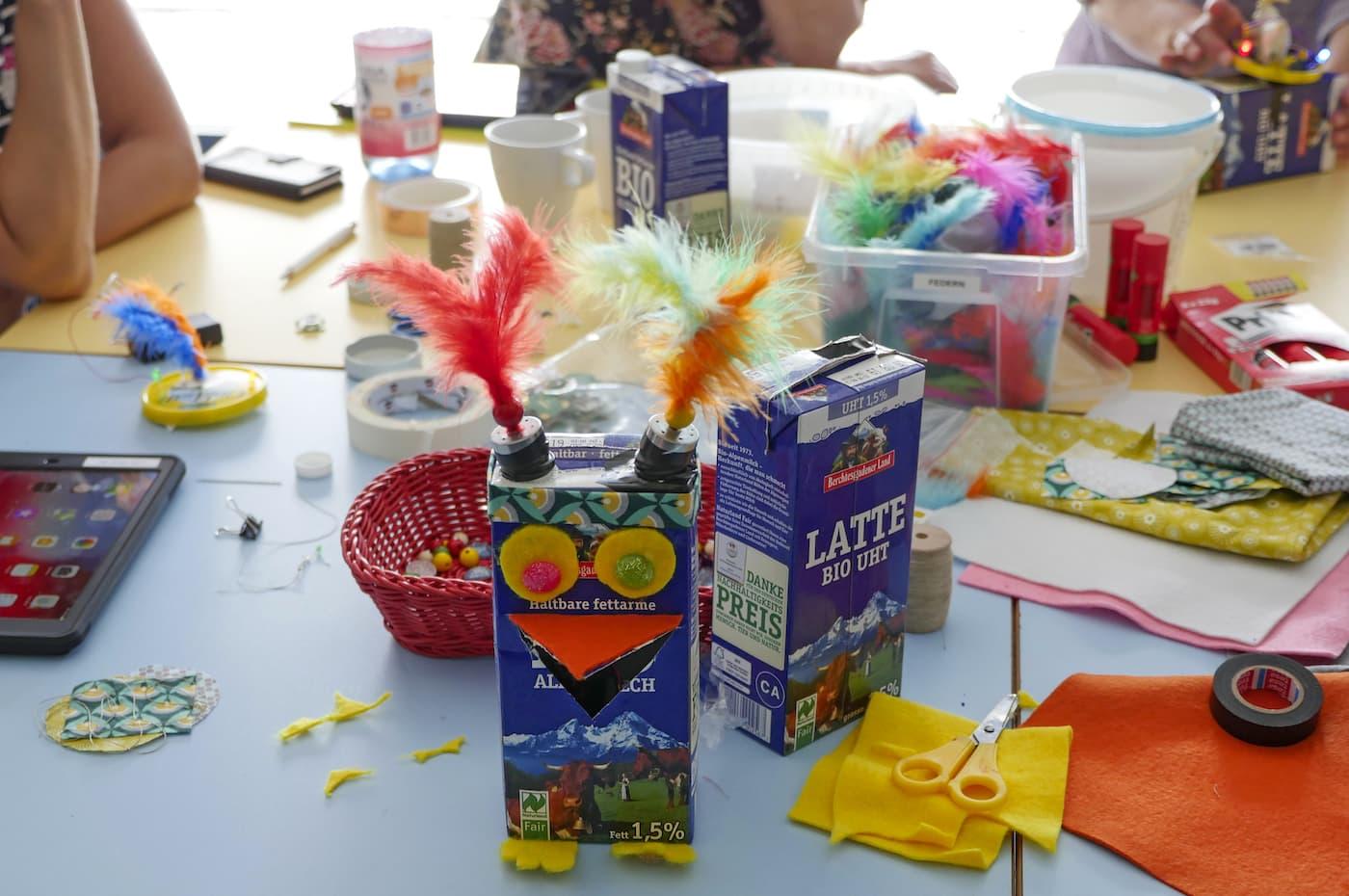 Geburtstagsfeier für Grundschulkinder Tipps in Berlin Klax Kreativwerkstatt // HIMBEER