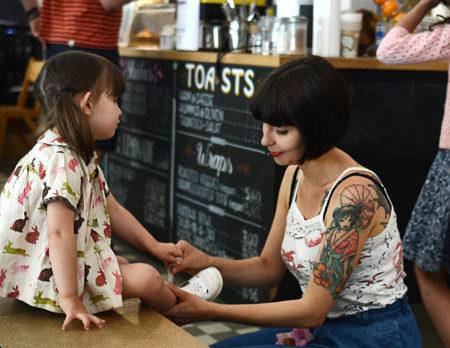 Leben mit Kindern in Berlin: Eltern-Kind-Cafés // HIMBEER