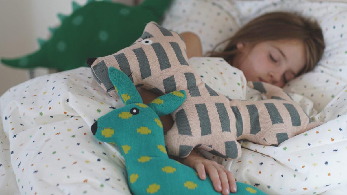 Coco-Mat-Matraze: Ruhig schlafendes Kind // HIMBEER