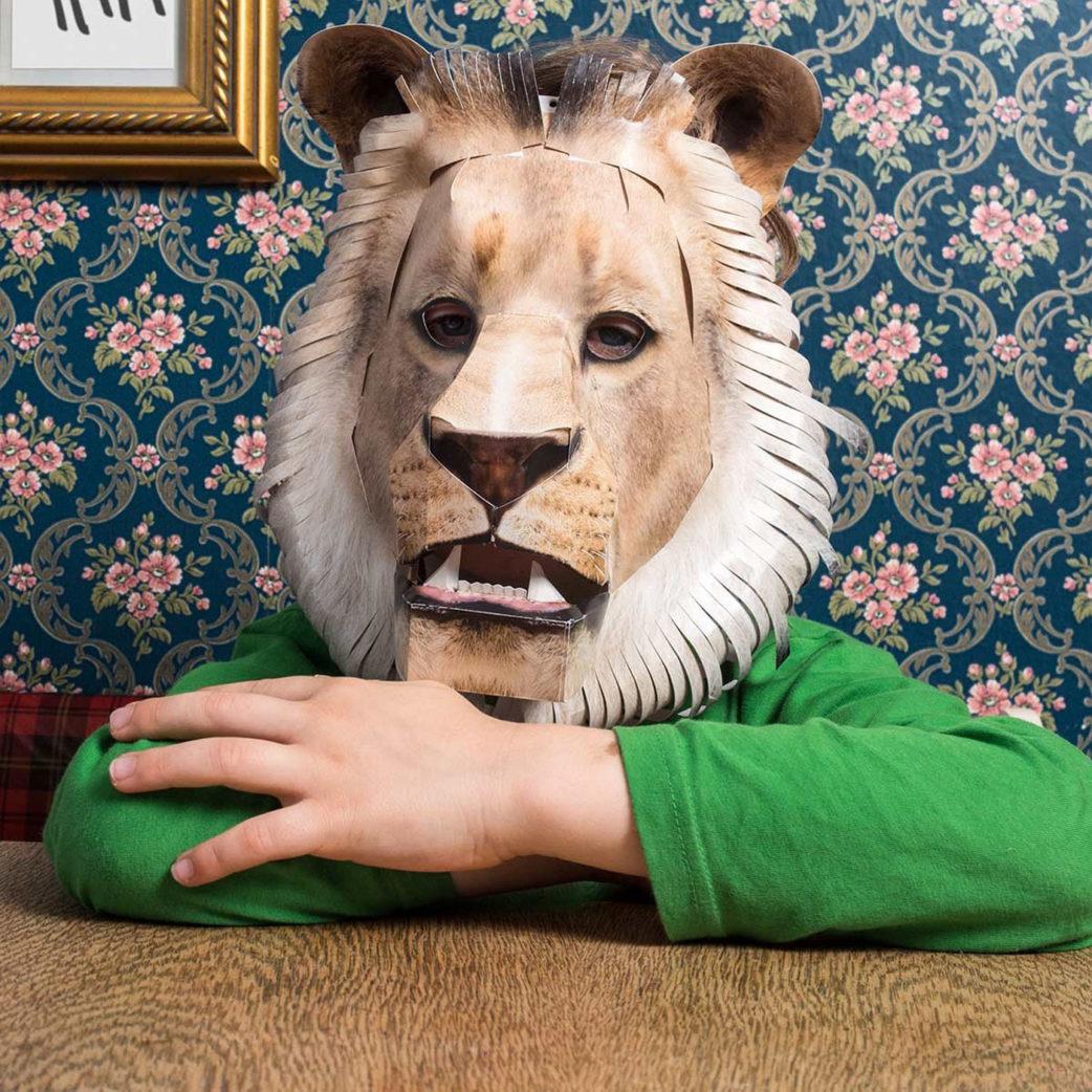 Löwenmaske von Studio Hering | Berlin mit Kind