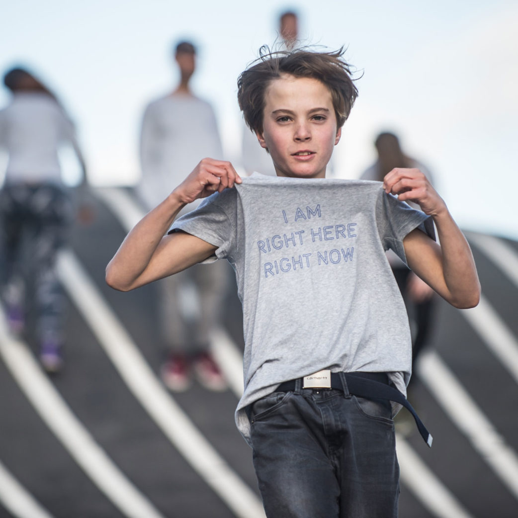 Shirt von Jeppe Hein | Berlin mit Kind