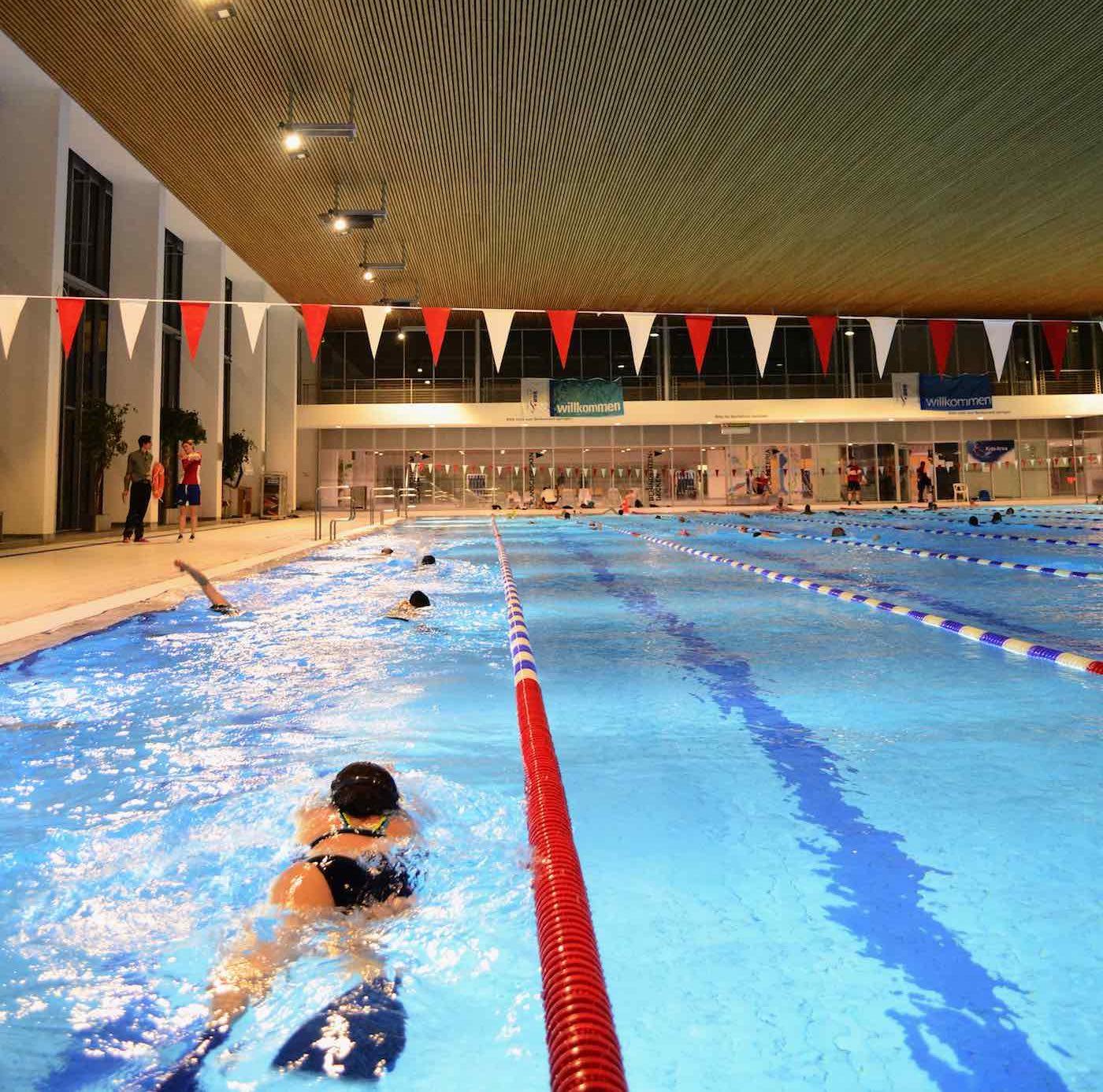Schwimmen im SSE an der Landsberger Allee | berlinmitkind.de