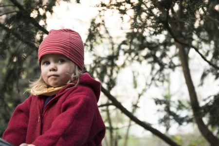 Mädchen mit rosa Mütze | berlinmitkind.de
