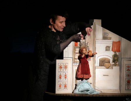 Marionettentheater mit dem Goldköpfchen