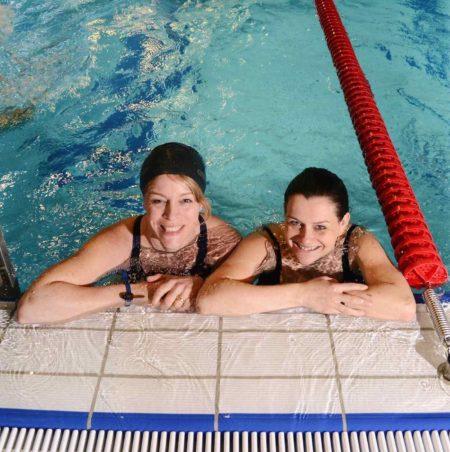 Schwimmen macht glücklich | berlinmitkind.de