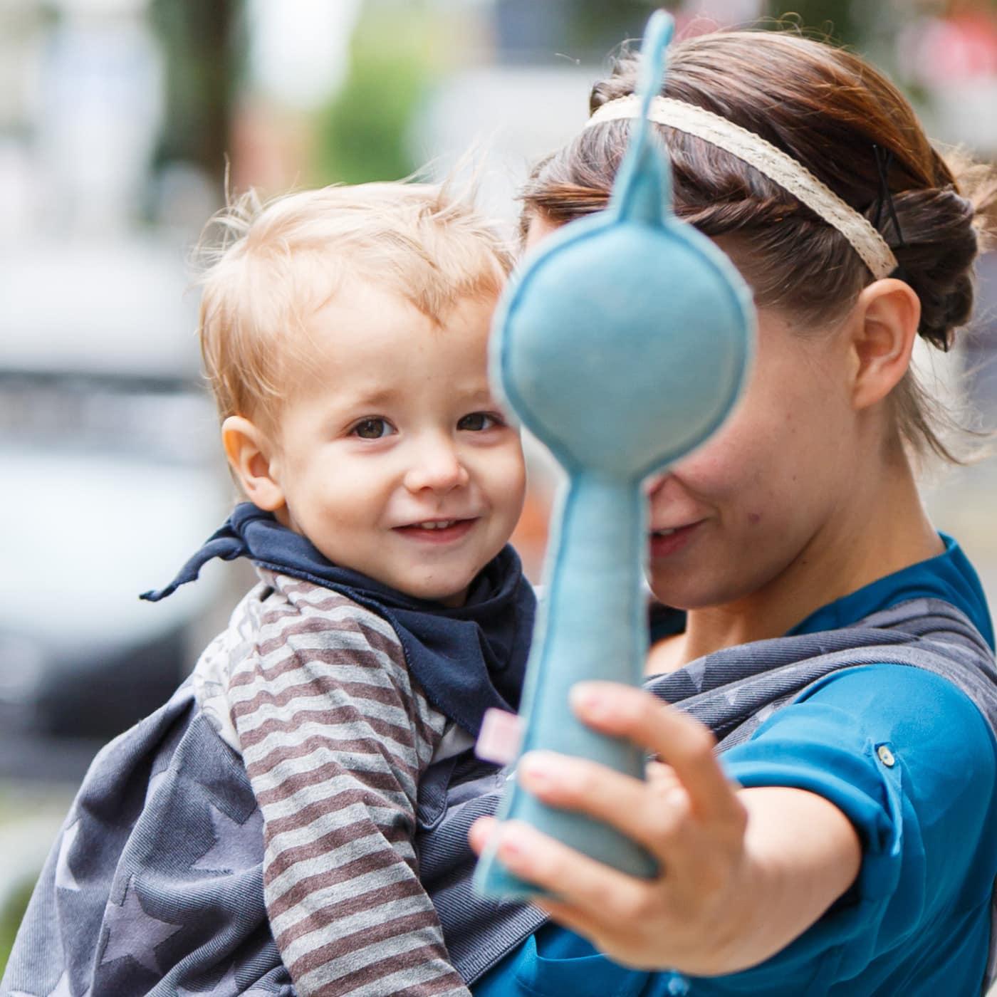 Mini-Tipps im Juli – Mit Baby unterwegs in Berlin: Die besten Läden für Trageberatung: Madame Jordan // HIMBEER