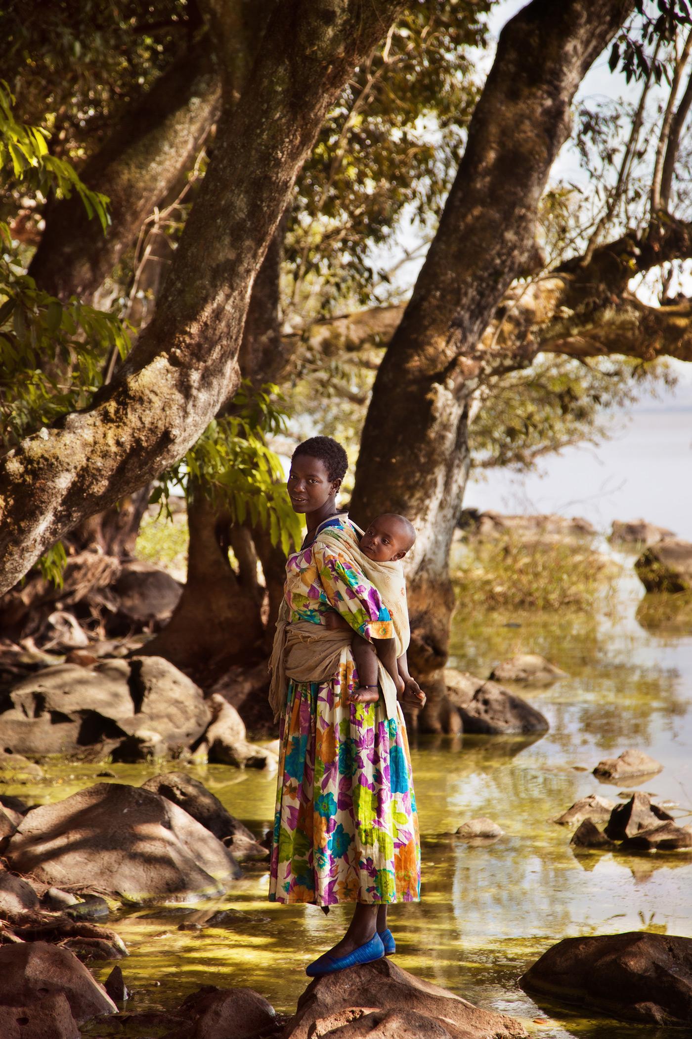 Mutter mit Kind in Äthopien