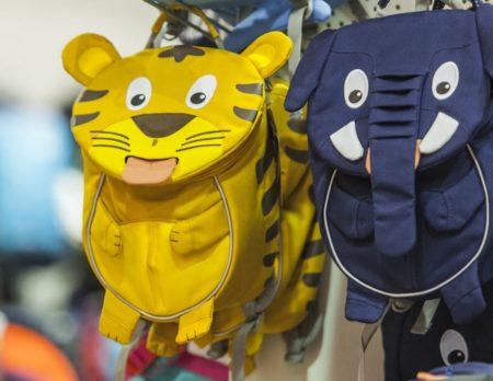 Schulranzen als Tiger und Elefant | Berlin mit Kind