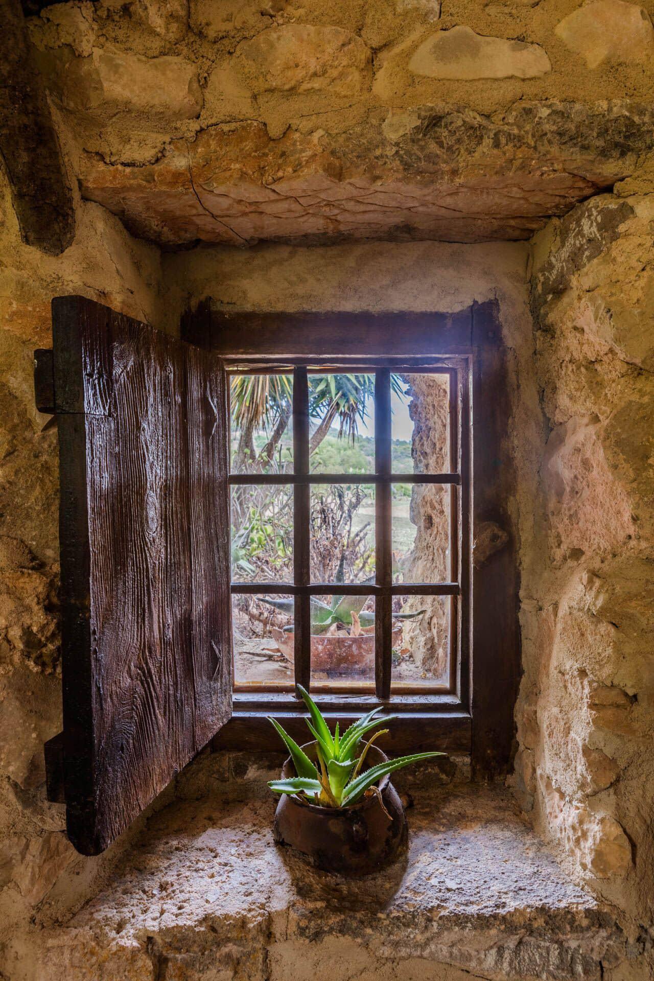 Fenster im Steinhaus