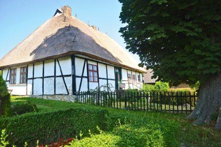 Altes Fachwerkhaus auf Ostseeinsel   München mit Kind