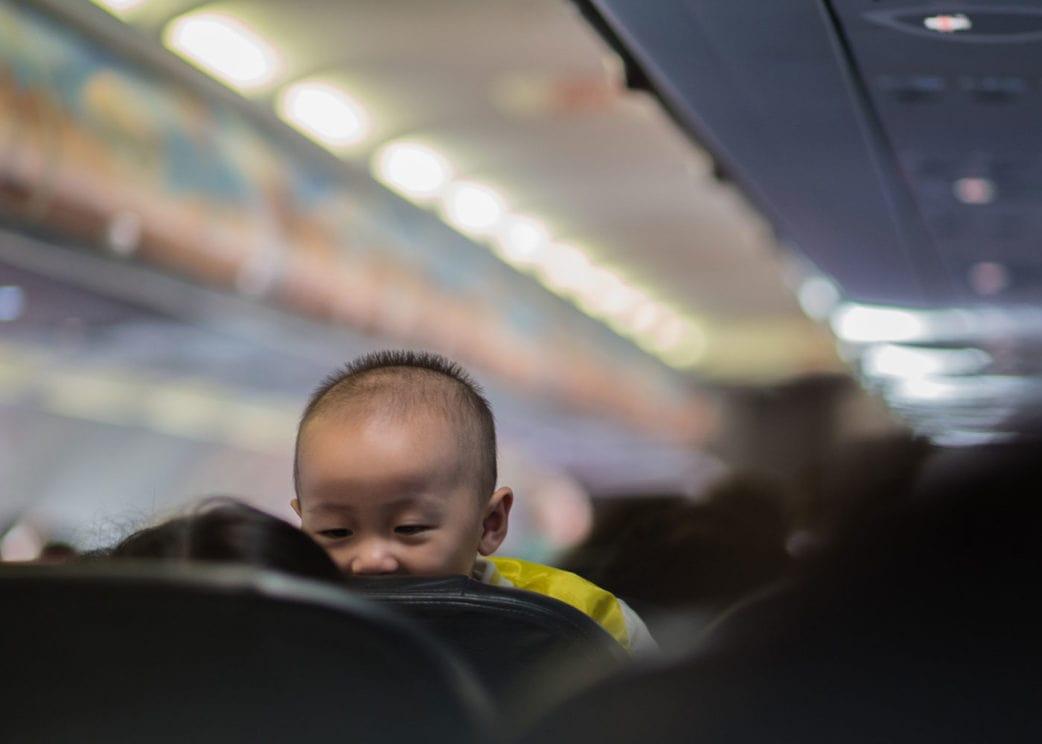 Reisen mit Baby: Im Flugzeug // HIMBEER