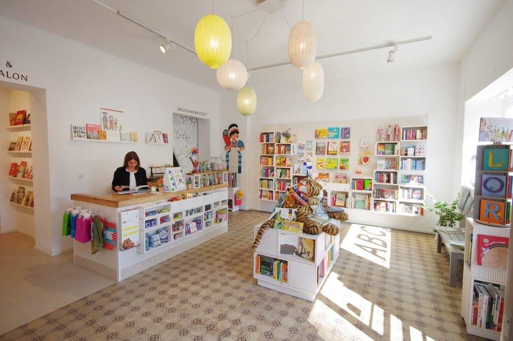 Top 10 Kinderbuchläden in Berlin: Kinderbuchhandlung Krumulus // HIMBEER