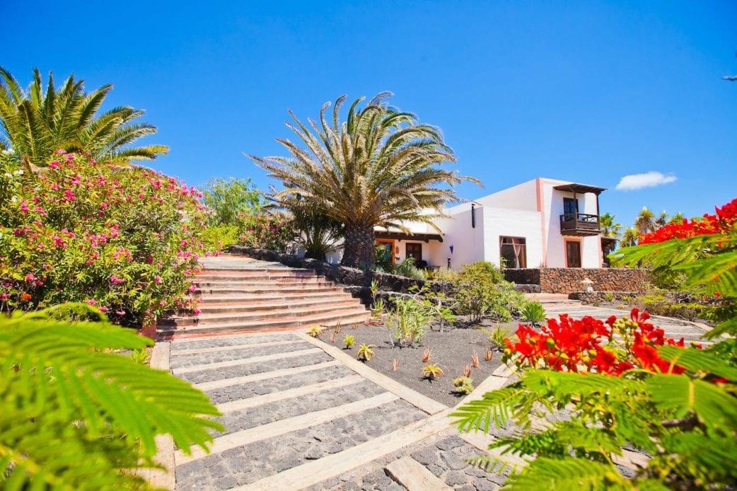 Reisen mit Kindern, Familienurlaub auf den Kanarischen Inseln: Finca Casa El Moro auf Lanzarote // HIMBEER