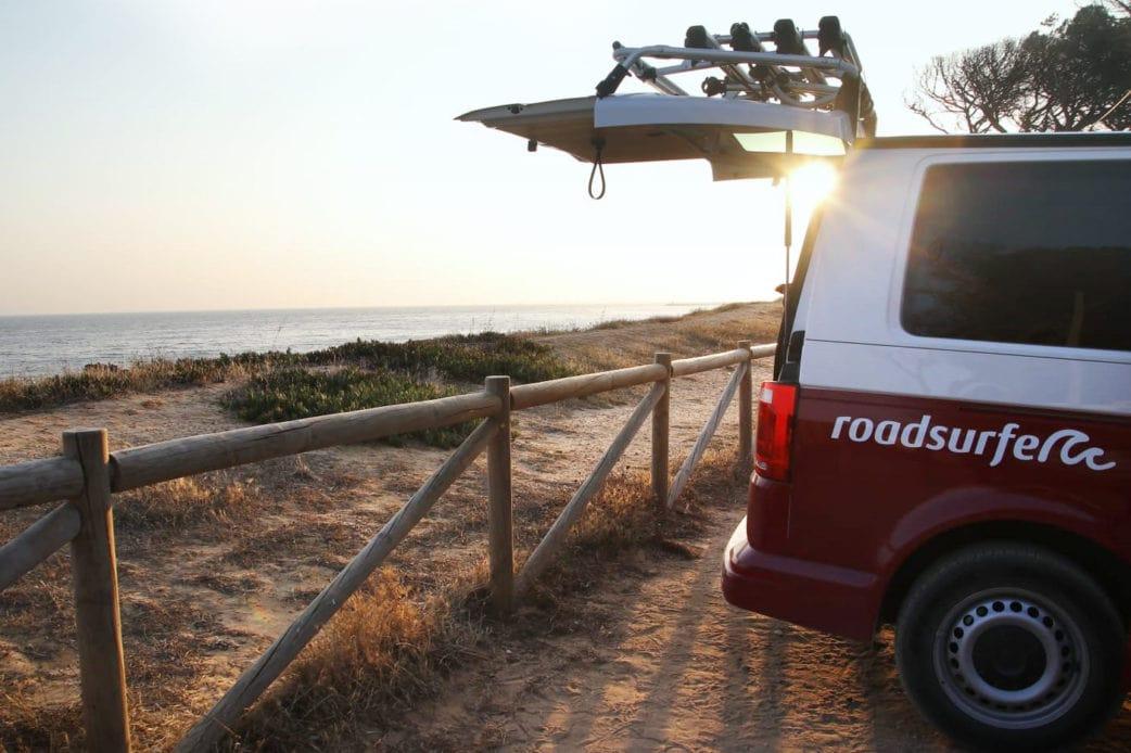 Camper Meer Sonne Roadsurfer // HIMBEER