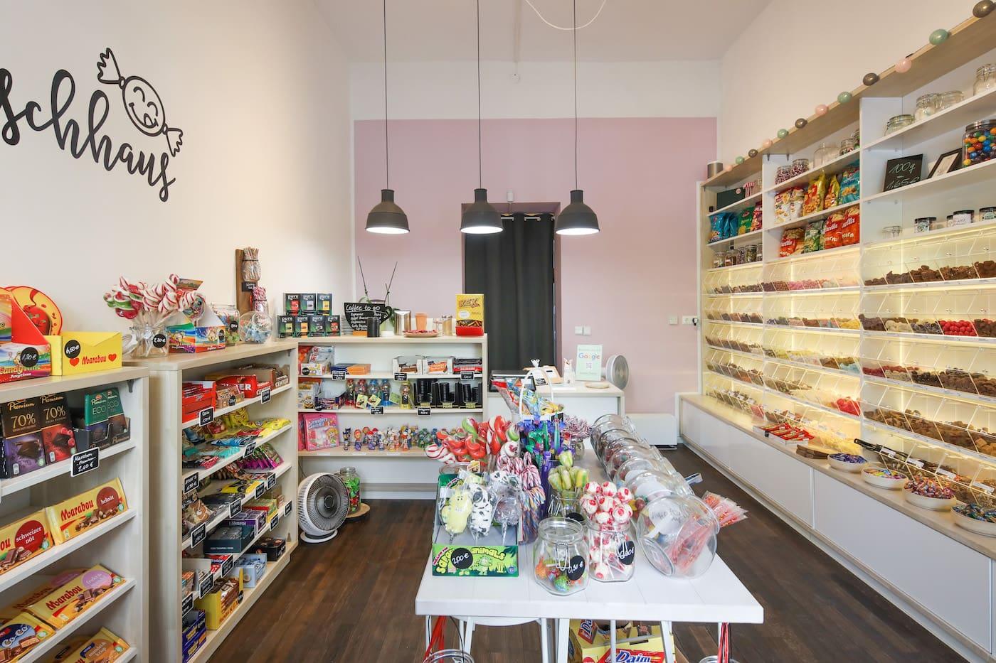 Adventskalender für Kinder befüllen: Top 10 Süßigkeiten-Läden in Berlin: das Naschhaus // HIMBEER