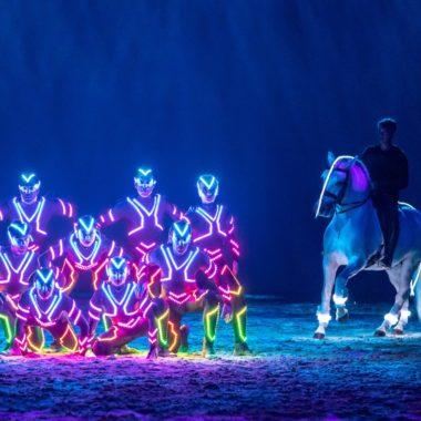 Mit der Familie in Berlin Pferde zur Cavalluna Pferde-Show // HIMBEER