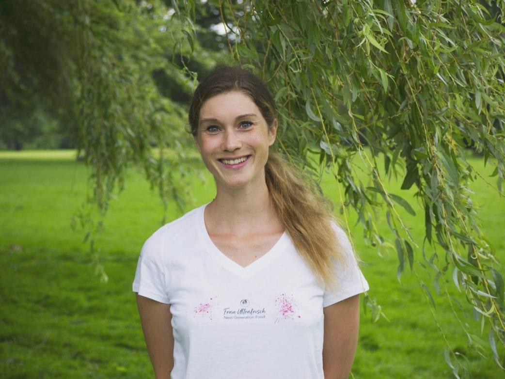 Janina Otto Frau Ultrafrisch // HIMBEER