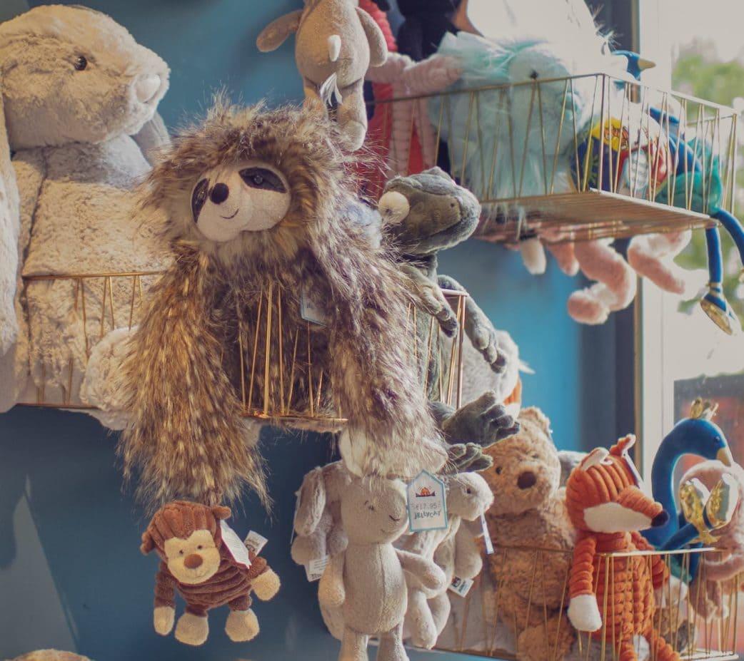 Kinderkleidung und Stofftiere in Berlin bei Junghans Kindermoden // HIMBEER
