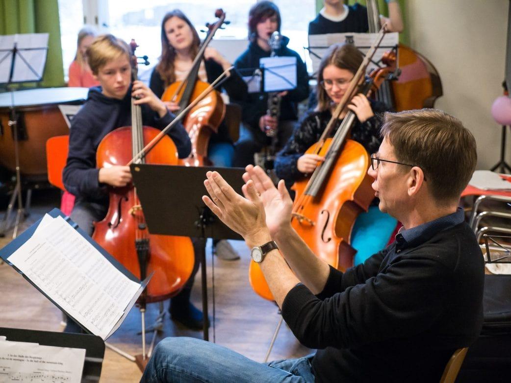 Musikschule tomatenklang in Berlin: Orchesterprobe // HIMBEER