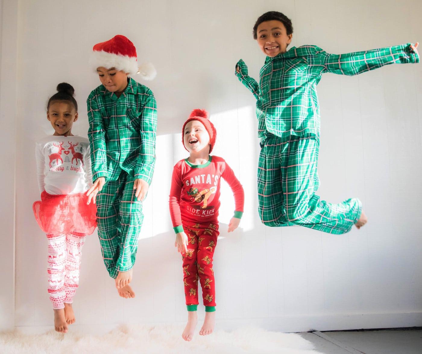 Springende Kinder zur Weihnachtszeit // HIMBEER