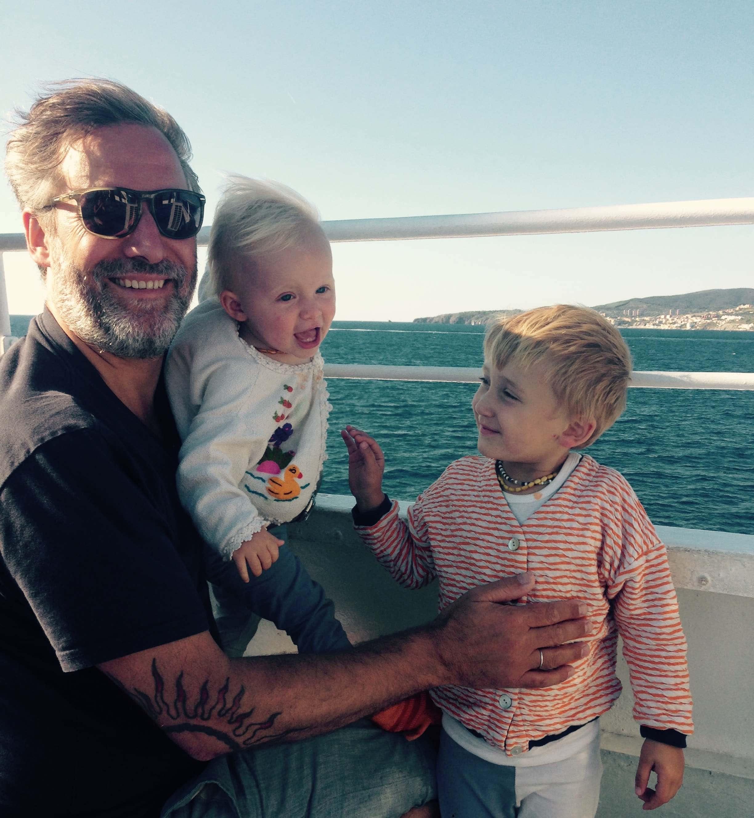 Bernd Neff mit seinen Kindern // HIMBEER