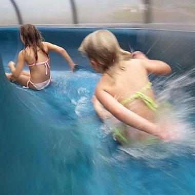 Wasserrutsche Spassbad in Berlin // HIMBEER