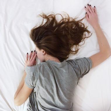 Schlafende Frau // HIMBEER