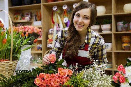 Blumengeschäft mit Floristin // HIMBEER