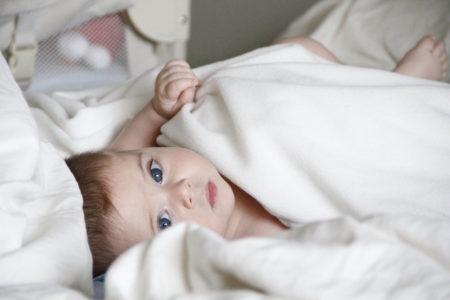 Die ungewöhnlichsten Kindernamen Berlins Baby in Handtuch // HIMBEER