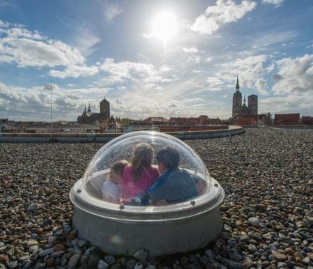 Familien-Ausflugstipps mit Übernachtung: Ozeaneum und Meeresmuseum Stralsund // HIMBEER