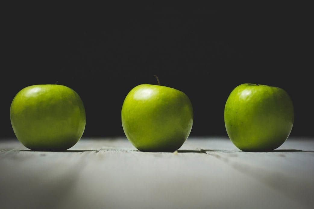 Rezept Eis selber machen: Cremiges Apfeleis // HIMBEER