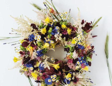 Sommerkranz aus Wiesenblumen // HIMBEER