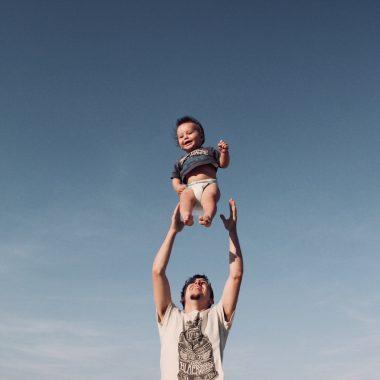 Bewegungskurse für Baby und Kleinkind Eltern-Kind-Kurse Babykurse Berlin mit Kind / HIMBEER