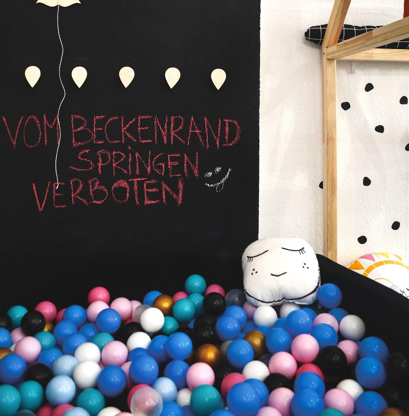 Concept Store Kinder in Berlin-Pankow: Tolles Bällebad für Kinder // HIMBEER