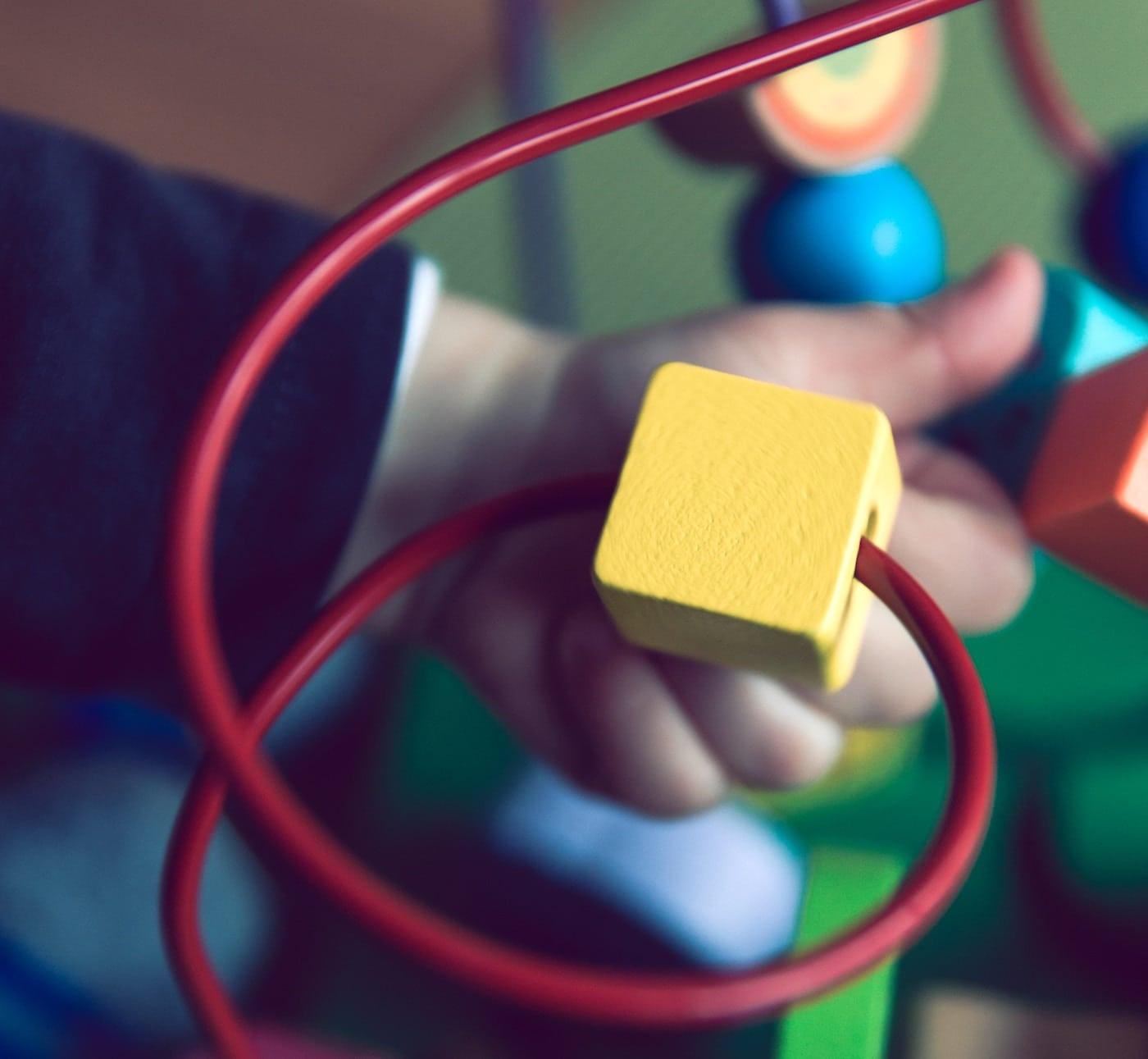 Kleinkind Entwicklung anregen mit Pikler PEKiP Kurse für Babys / HIMBEER