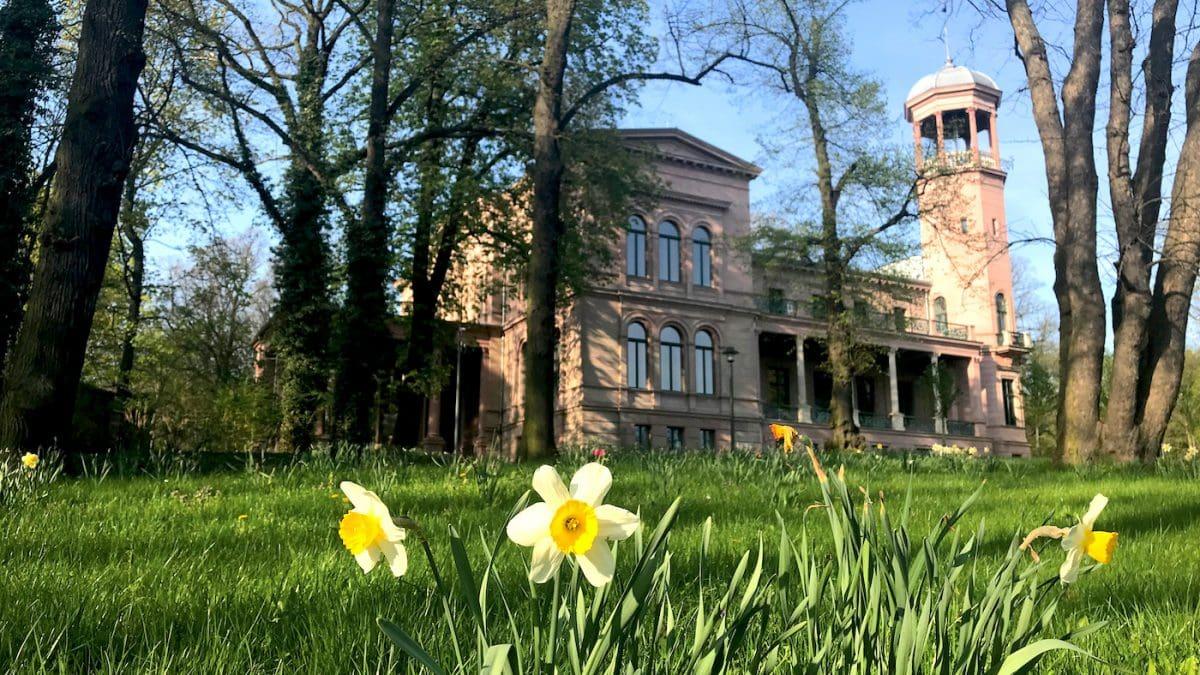 Schloss Biesdorf Kunst-Villa in Berlin mit Kind // HIMBEER