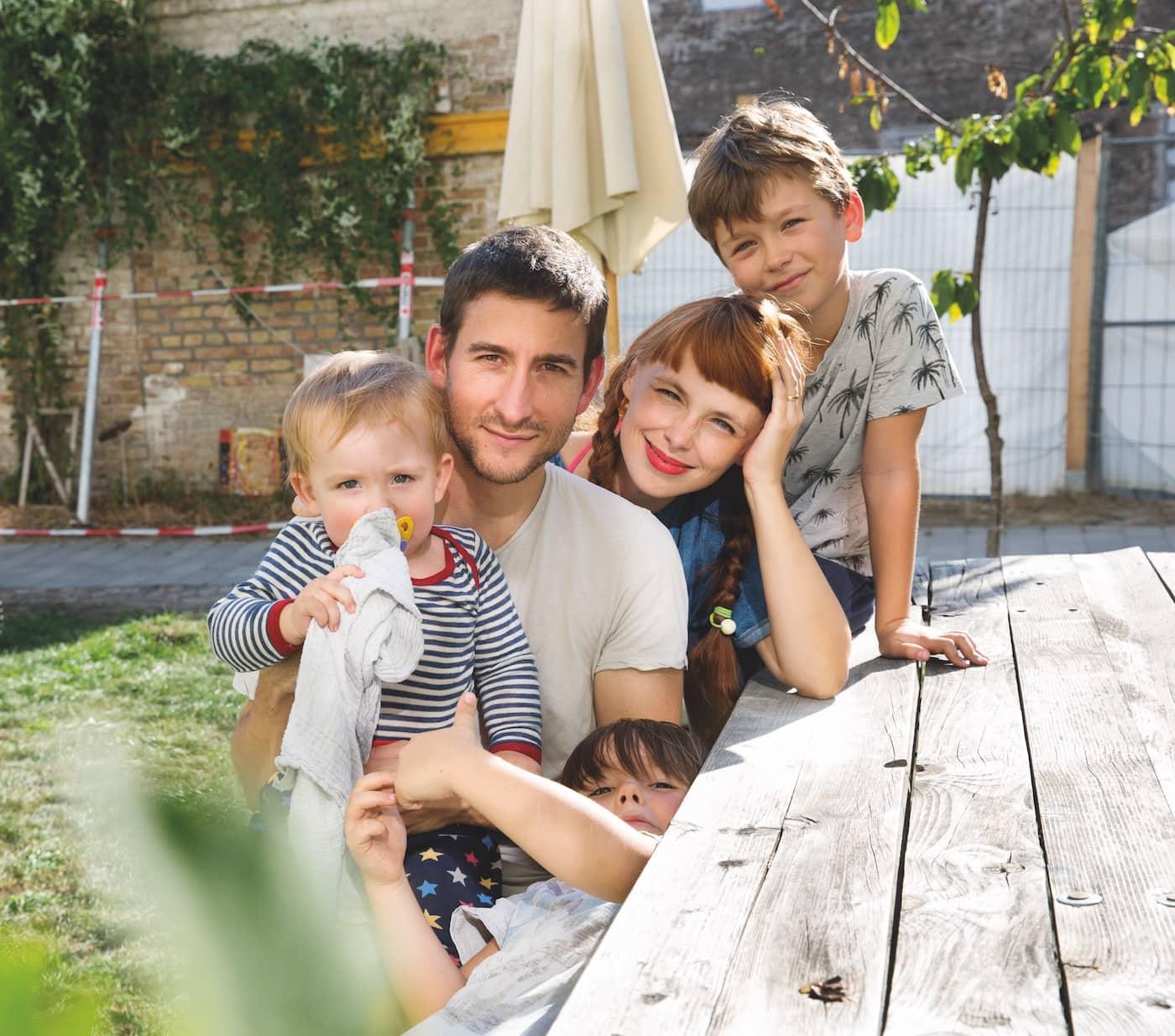 Familienleben in Berlin: Grün wohnen in der Hinterhof-Remise // HIMBEER