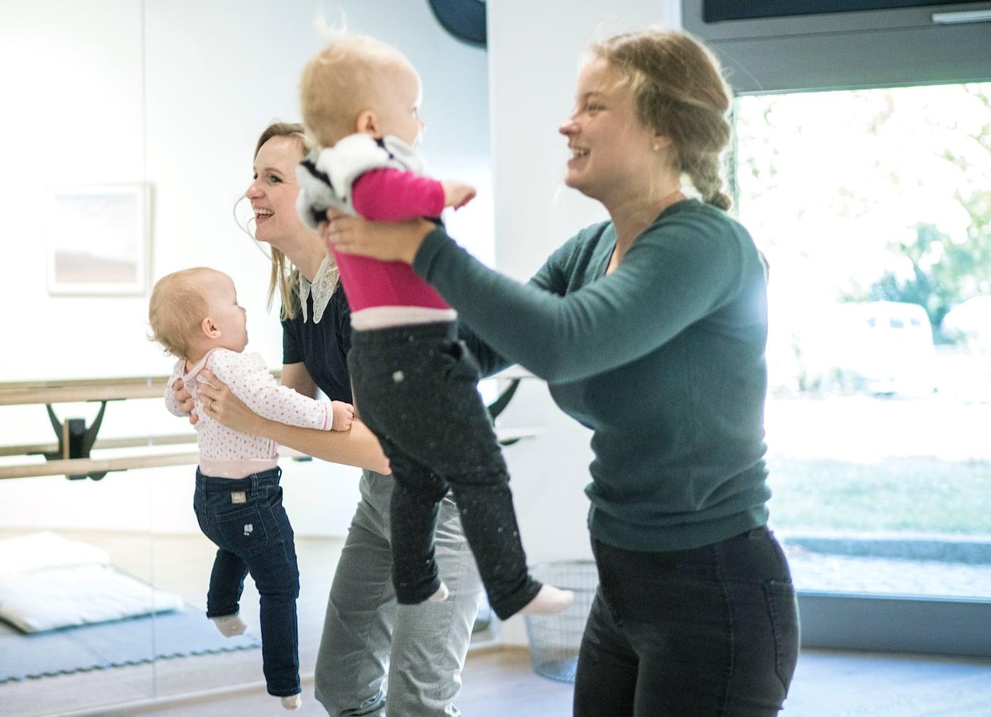 Eltern-Kind-Café Wunderhaus in Berlin-Prenzlauer Berg: Kurse für Babys und Kleinkinder // HIMBEER